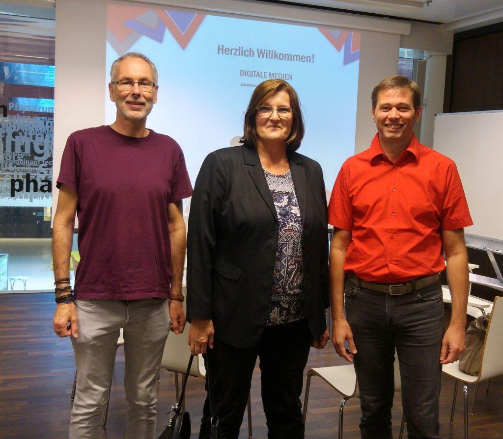 Michael Steiner (IBS), Angelika Zagler (IAS) und Klaus-Himpsl-Gutermann (IBS) präsentierten drei Beiträge der PH Wien zur Zusammenarbeit in der Bildung mit digitalen Medien auf der GMW-Tagung in Innsbruck.