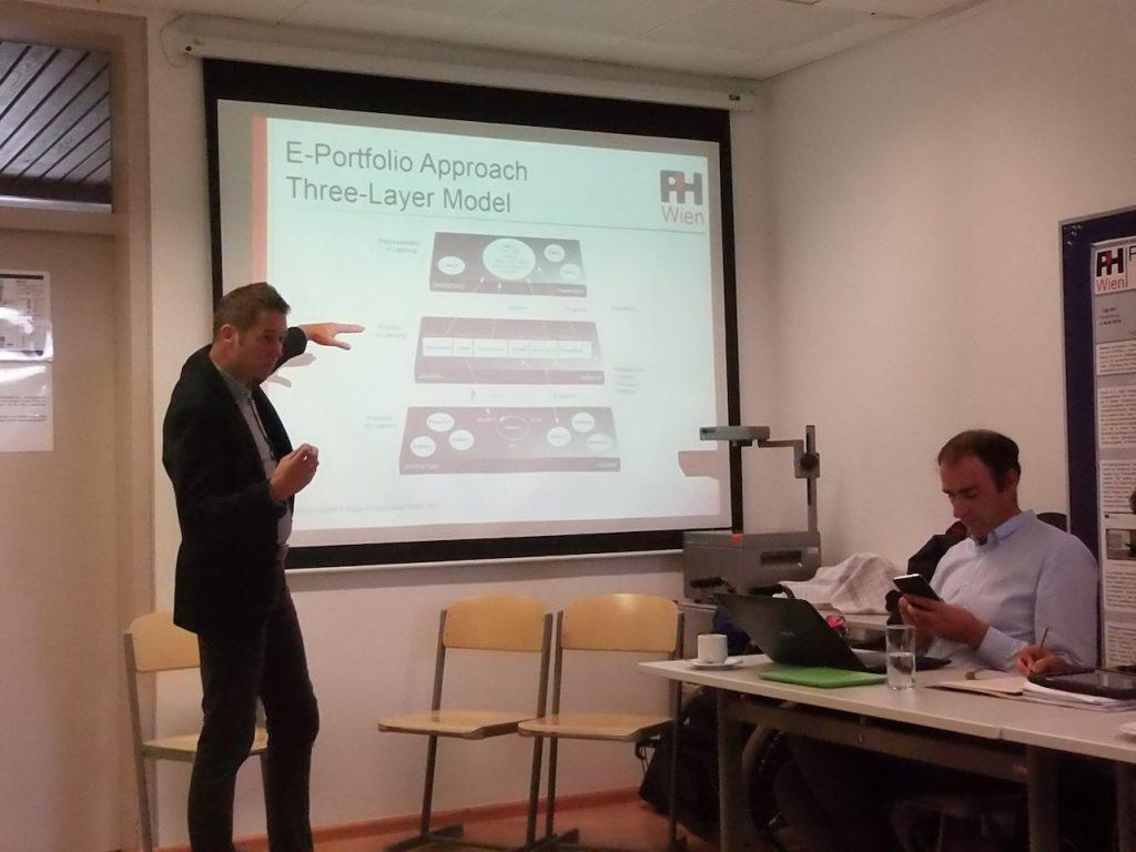 Klaus Himpsl-Gutermann erklärt sein E-Portfolio-Modell